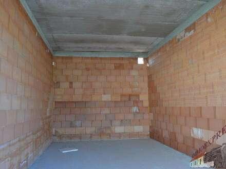 Sehr gute Lagerboxen mit großem Einfahrtstor 3 m x 3 m