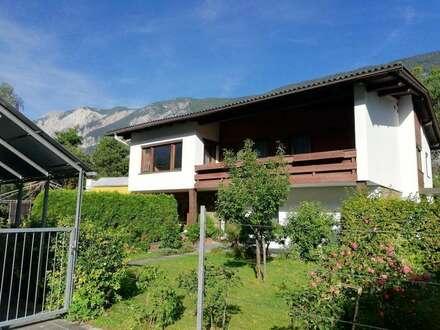 Dachgeschosswohnung im Zweifamilienhaus mit Garten