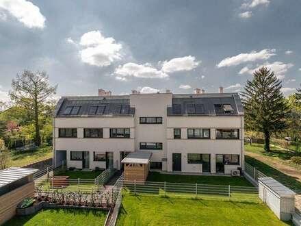 SEHR HELLE Dachgeschoßwohnung (belagsfertig) mit großzügigem Balkon & Dachterrasse