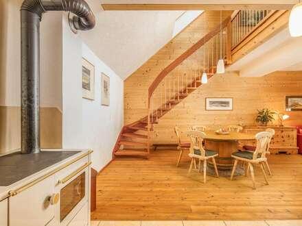 Großzügige Maisonette-Wohnung mit geschmackvoller Möblierung