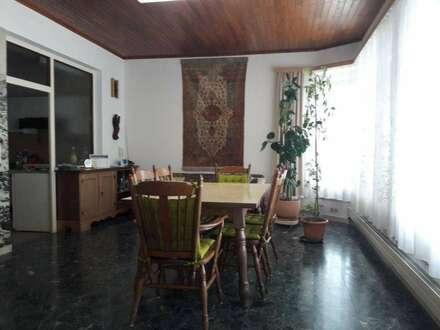 Nur 30 Autominuten von Wien Einfamilienhaus 150m² + 1.600m² Garten+Sauna+ POOL+ Garagen+ Autoabstellplätze+Sauna in Ruhelage
