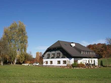 Herrschaftliches Anwesen mit See-, Wald- und Wiesengrundstückenam Höllerer See
