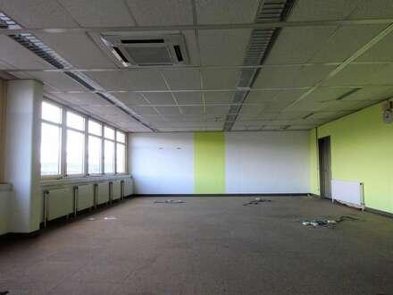 1. Monat mietfrei - Sehr großzügige, zentrale Bürofläche mit schöner Aussicht über Graz