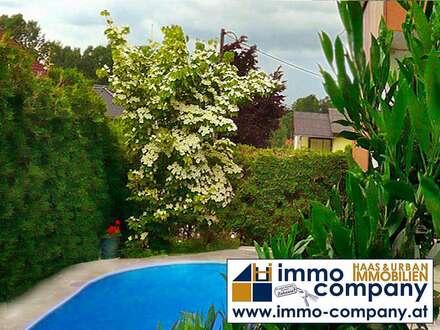 Großzügiges Wohnhaus mit Pool, Terrasse und Garten