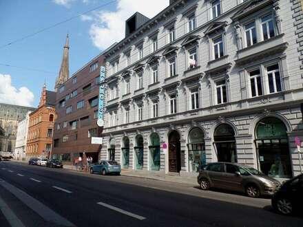 Hervorragende Lage für Büro/Praxis/Atelier im prächtigen Altbauhaus nahe Mariendom!