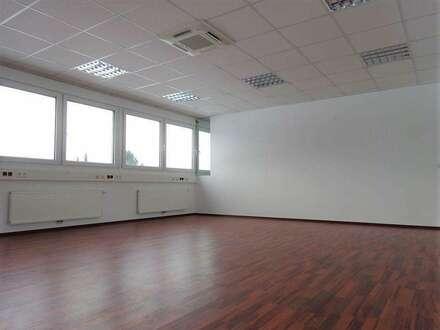 Lichtdurchflutetes, sehr modernes Büro im Business-Point Gleisdorf-Süd