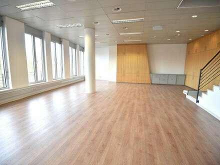 Großzügiges Büro mitten im Zentrum von Bregenz zur Miete!