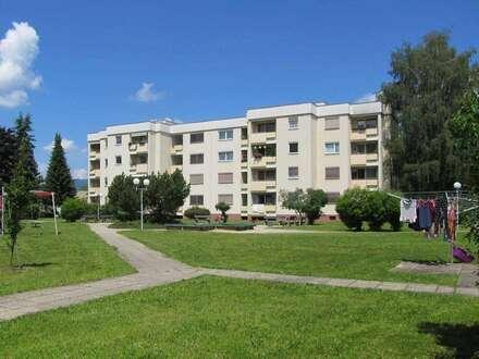 Großzügige 2 Zimmer-Wohnung mit südseitiger Loggia, Lift, Garage in ruhiger Siedlungslage - provisionsfrei!