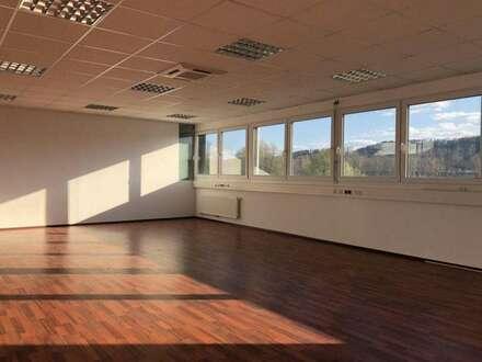 PROVISIONSFREI - Hochmoderne Büroräumlichkeiten im Business-Point Gleisdorf-Süd