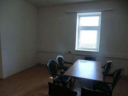 9092 Großzügiges Büro im Gewerbegebiet!
