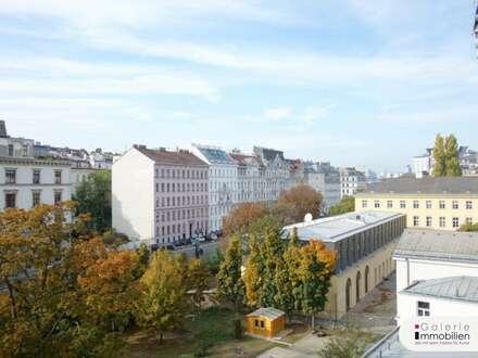 VIDEO: Schöne und helle, unbefristete Altbauwohnung mit Fernblick, 4 Zimmern plus 1 Kabinett!