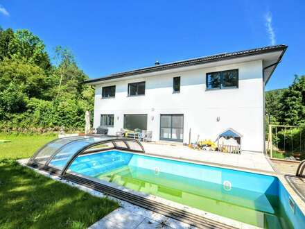 Einfamilienhaus mit Garten und Pool in Gablitz