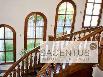 Herrschaftliche Villa im Landhausstil mit 1.393 m² großem Grundstück