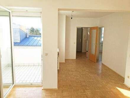 Helle, schön aufgeteilte 3-Zimmer Wohnung mit Loggia