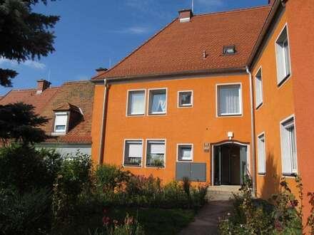 Provisionsfrei: Schöne, helle Zweizimmerwohnung in absoluter Ruhelage am grünen Ortsrand