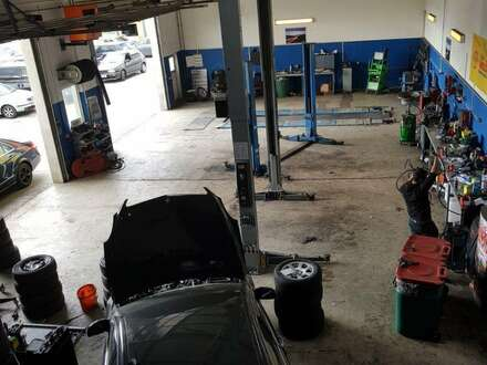 AUTOWERKSTATT SAMT EINRICHTUNG UND PICKERLZULASSUNG