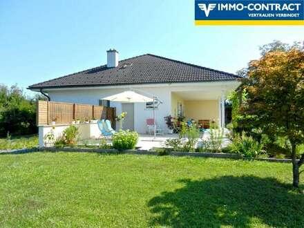 Sehr schönes Haus mit uneinsehbarem, wunderschönem Garten - Dachgeschoss fast fertig ausgebaut