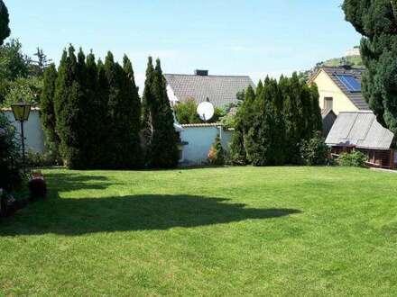Traumhaft! Hainburger Aussichtslage! Sehr gepflegt! Einfamilienhaus mit wunderschönem Blick auf den Schloßberg, vollunterkellert,…