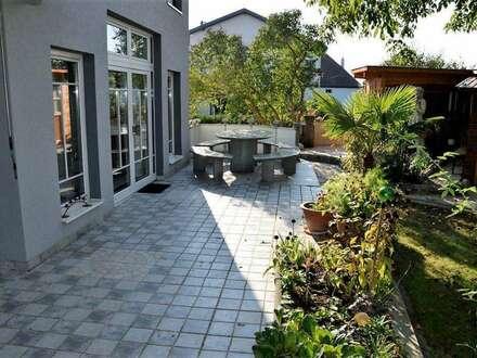 Große Erdgeschoßwohnung mit Garten und Tiefgarage zum Top-Preis