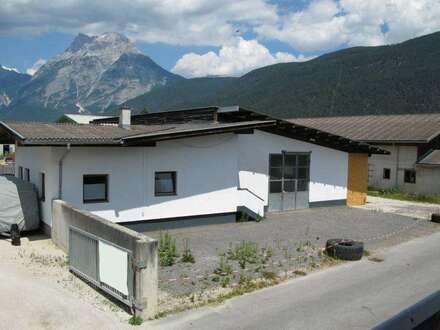 Große Gewerbeimmobilie mit Wohnmöglichkeit in Gewerbezone - Flaurling