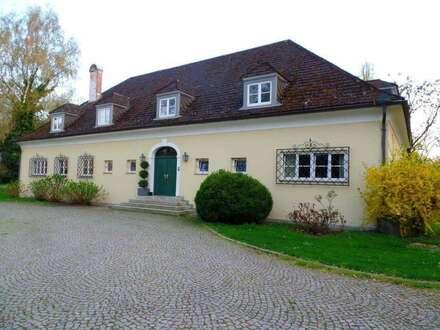 Wohnjuwele nahe zu Linz: 2 Landhausvillen bieten herrschaftliches Wohnen inmitten parkähnlicher Gärten!