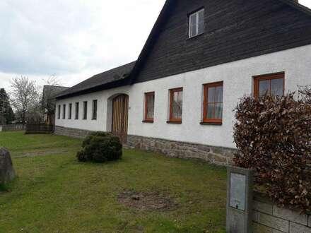 renovierungsbedürftiger Vierkanthof mit viel Potenzial
