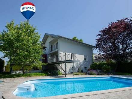 Haus in Sackgasse gelegen mit großem Grundstück und Pool