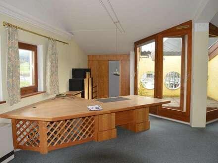 Helles Büro mit 2 Terrassen