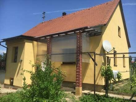 Alleinlage, Wohnhaus mit 2,3 ha. Grund