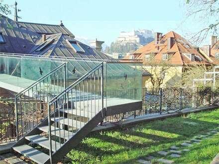 REPRÄSENTATIVER FIRMEN- UND WOHNSITZ! Jahrhundertwendevilla mit 800 qm Nutzfläche und 5 TG-Plätzen