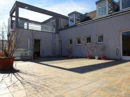 Bestandsfreies Gewerbeobjekt mit vielerlei Nutzungsmöglichkeit mit zwei großen Dachterrassen und großem Parkplatz in zentraler…