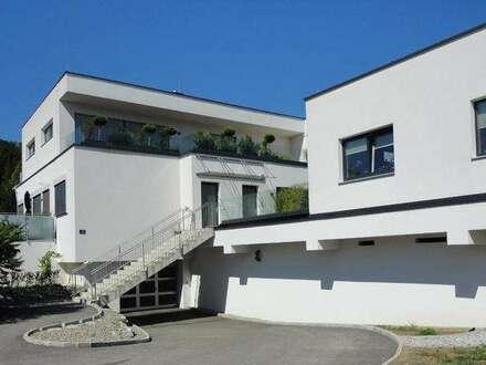 3-Zimmer Mietwohnung mit Dachterrassen und PKW-Garagenstellplatz