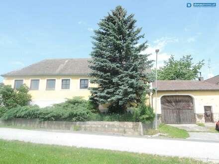Bauenhof mit Lagerhalle und 20 000m² Grundstücken nähe Waifhofen/Thaya