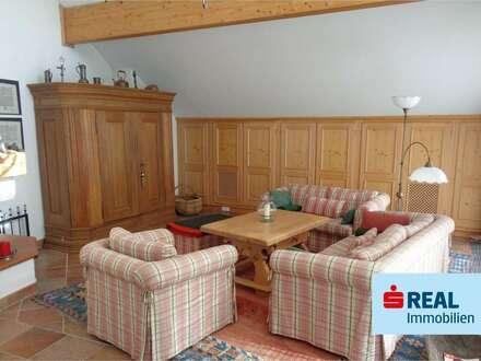 Sonnige Dachgeschoss-Wohnung in Ehrwald!