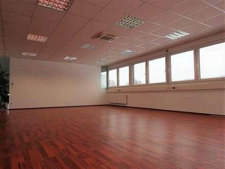 Hochmodernes, sehr neuwertiges Büro im Business-Point Gleisdorf-Süd