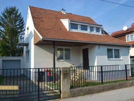 Baden: Einfamilienhaus mit großem Garten in ruhiger Siedlung