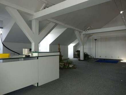 Schöne Bürofläche mit großer Dachterrasse in frequentierter, zentraler Lage unweit des Grazer Hauptbahnhofs