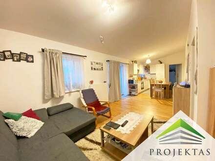 Hofseitige 3 Zimmer Dachgeschosswohnung mit großer Loggia und Küche am Fuße des Froschbergs! Günstige Parkplätze!