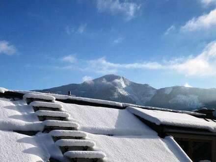 Zell am See: schöne Dachgeschosswohnung mit Balkon zu vermieten