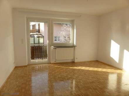 MIETE GARTENWOHNUNG GLANEGG: Neuwertige 77 m² 3 Zi. Wohnung inkl. 11 m² Süd-Loggia und ca. 50 m² Süd-Garten