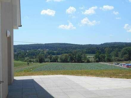 Brodersdorf nahe Eggersdorf zwei sonnige 4ZI Wohnungen Garten/ Terrassen/ Balkon Carport