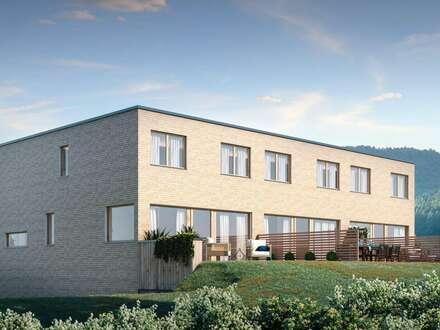 NEU - Vollholz Reihenhhaus mit Panoramablick, Terrasse und Garten