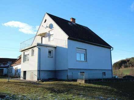 >>> EINFAMILIENHAUS inkl. Wirtschaftsgebäuden (3-Kant-HO)