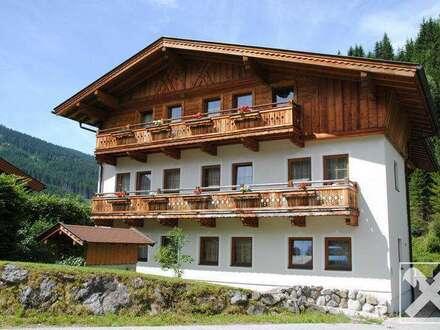 Personalhaus mit Pub in Filzmoos