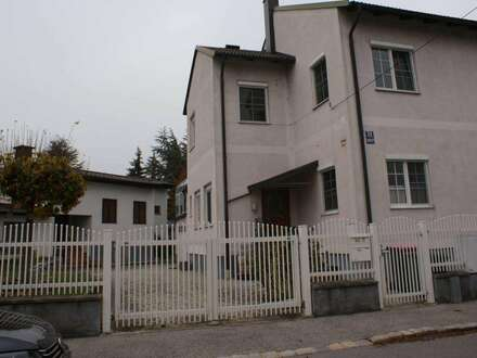 GELEGENHEIT - Zweifamilienhaus