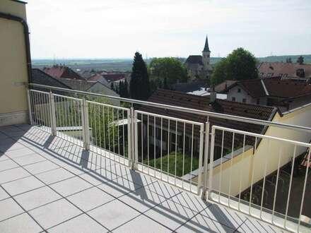 Sonnige Terrassenwohnung mit Fernblick, PKW-Abstellplatz und Garage
