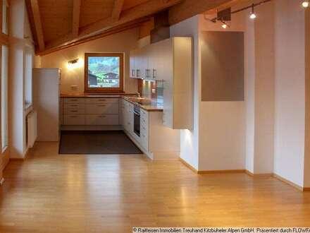 Miete: Gepflegte und gemütliche Dachgeschosswohnung in Kössen