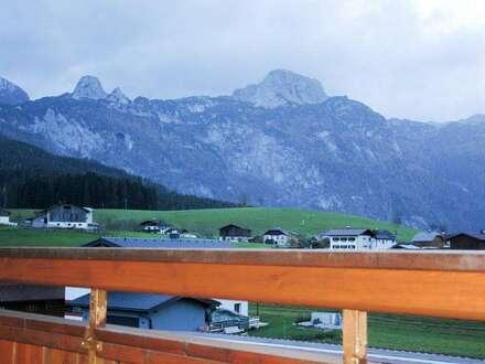 Dachgeschosswohnung mit idylischem Landflair und Panoramablick