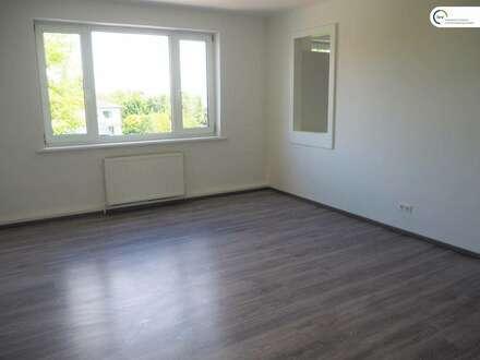 großzügige neu renovierte 3-Zimmerwohnung in beliebter Wohngegend