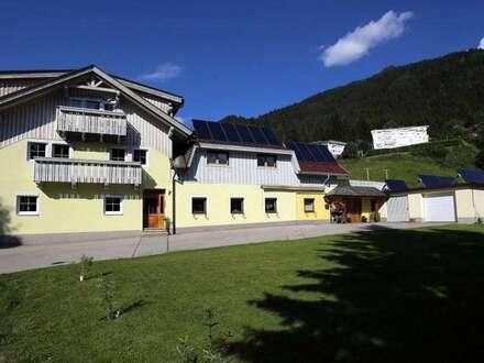 Familienwohnsitz mit 3 Ferienwohnungen und großer Garage